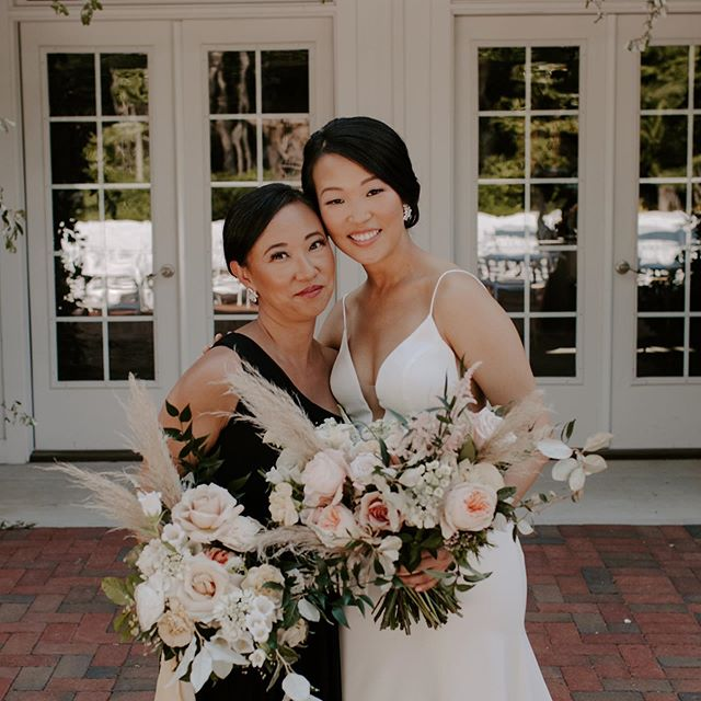 𝕊 𝕚 𝕤 𝕥 𝕖 𝕣 𝕤 🌸 • • • • • Beautiful image by @katie.ruther 📷  #mua #menaglam #menagarciabeauty #makeupartist #hairstylist #ncglam #ncglamsquad #raleighmakeupartist #raleighmakeup #ncmakeupartist #raleighhairstylist #hairandmakeup #weddingmakeup #raleighmua  #raleighglamsquad #bridalhair #bridalmakeup #raleighbride #ncbride #ncphotographer #romantichair #raleighphotographer #raleighwedding #barnofchapelhill #chapelhill #chapelhillwedding #chapelhillmakeupartist