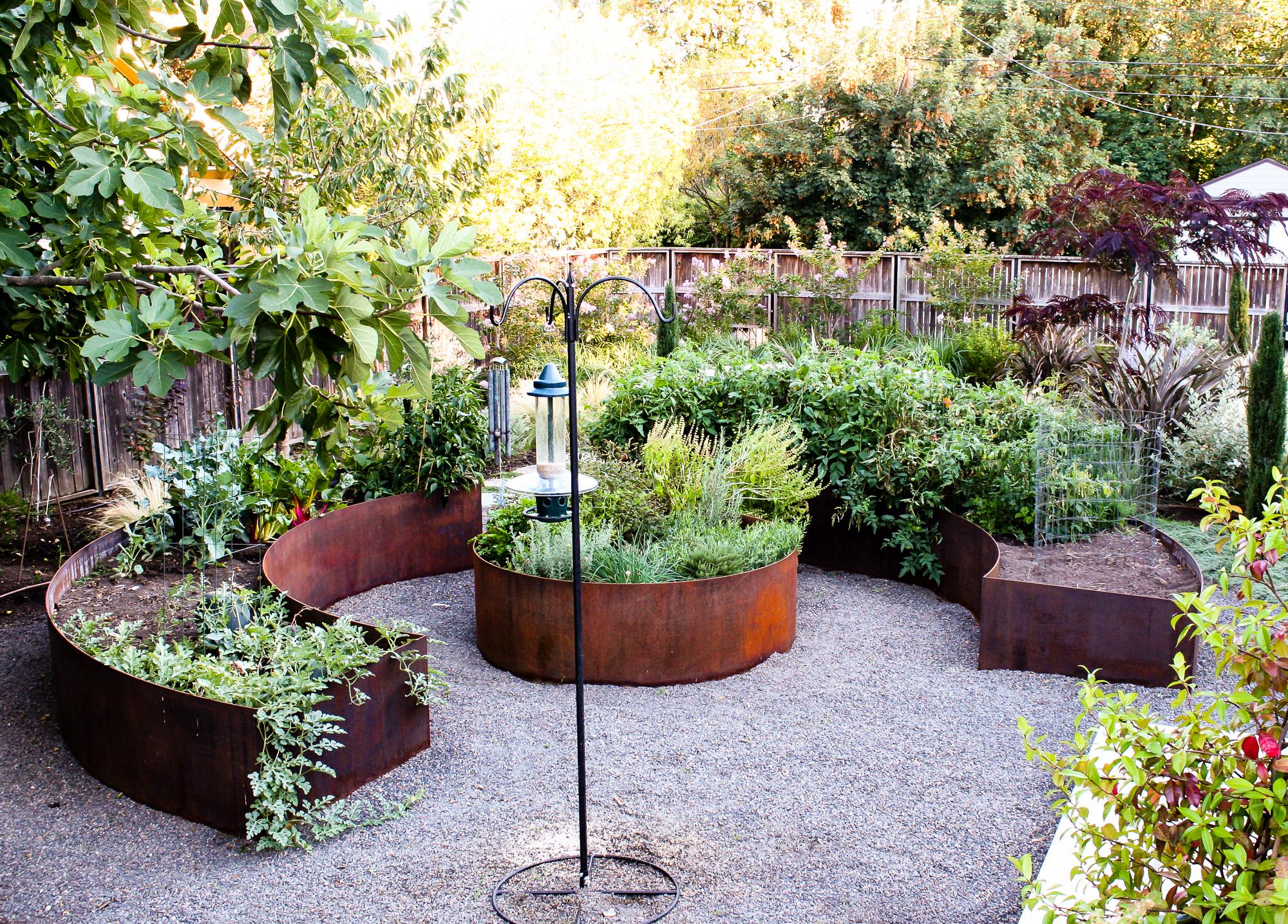 Overlook - Pistils Landscape Design.jpg