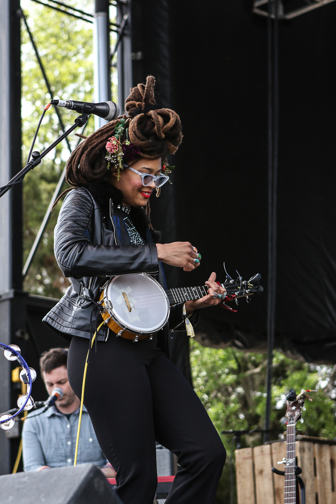 Valerie   June -4.jpg