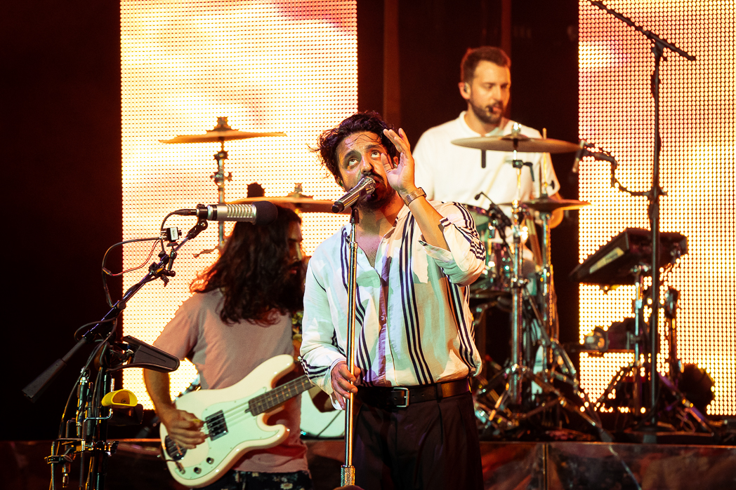 Young the Giant-2.jpg