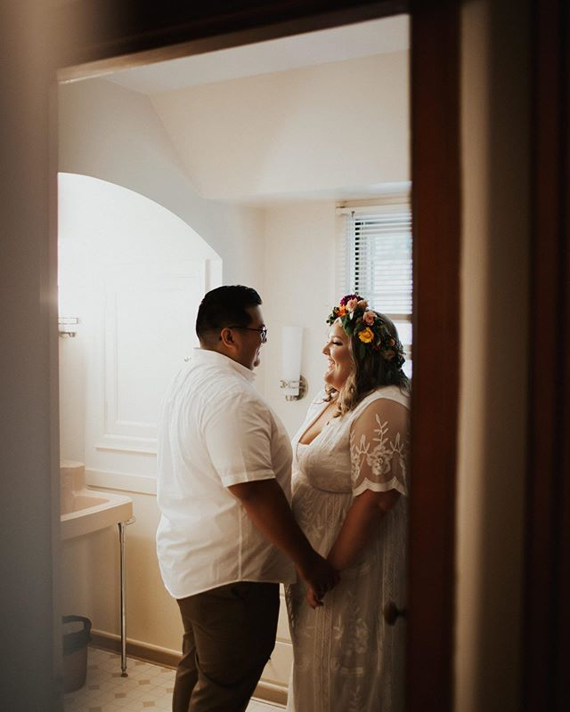 These two having a sweet moment right before the ceremony. And that floral crown 😍😍😍