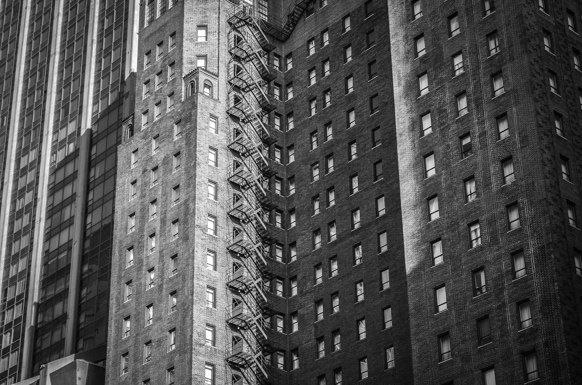 building-690330_1920.jpg