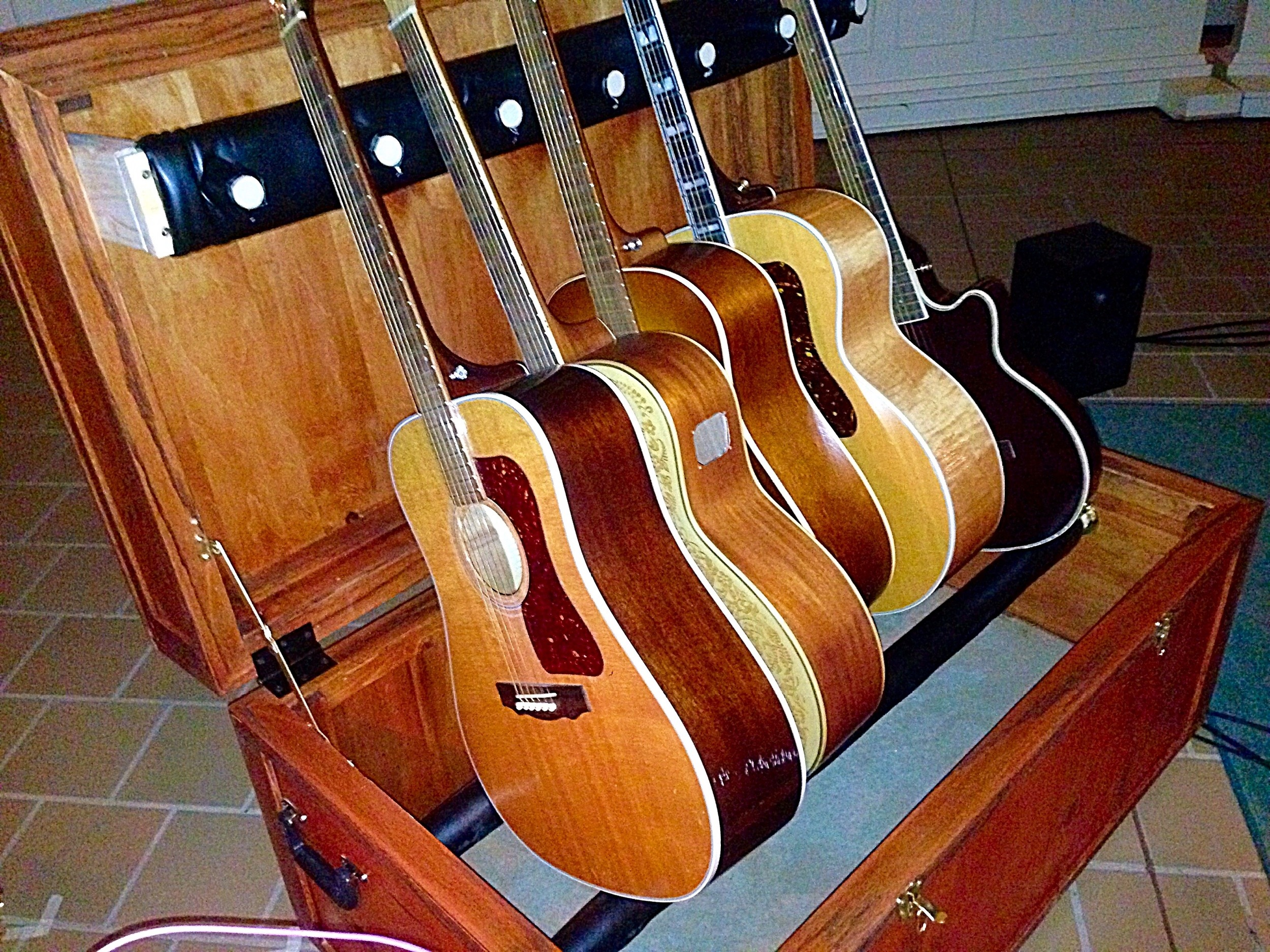 Billy Mclaughlin's Guitar Stand