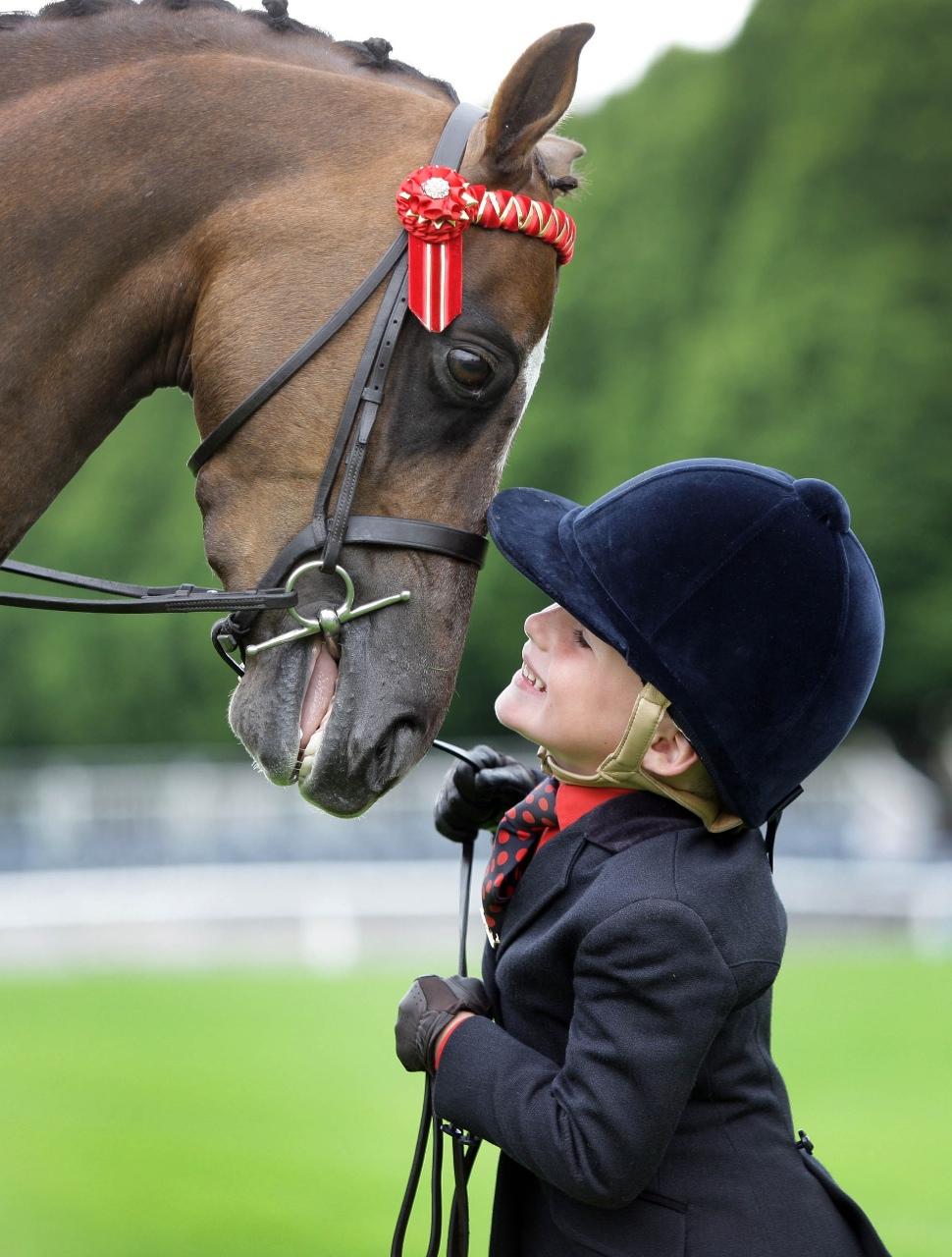 cute-kid-pony.jpg