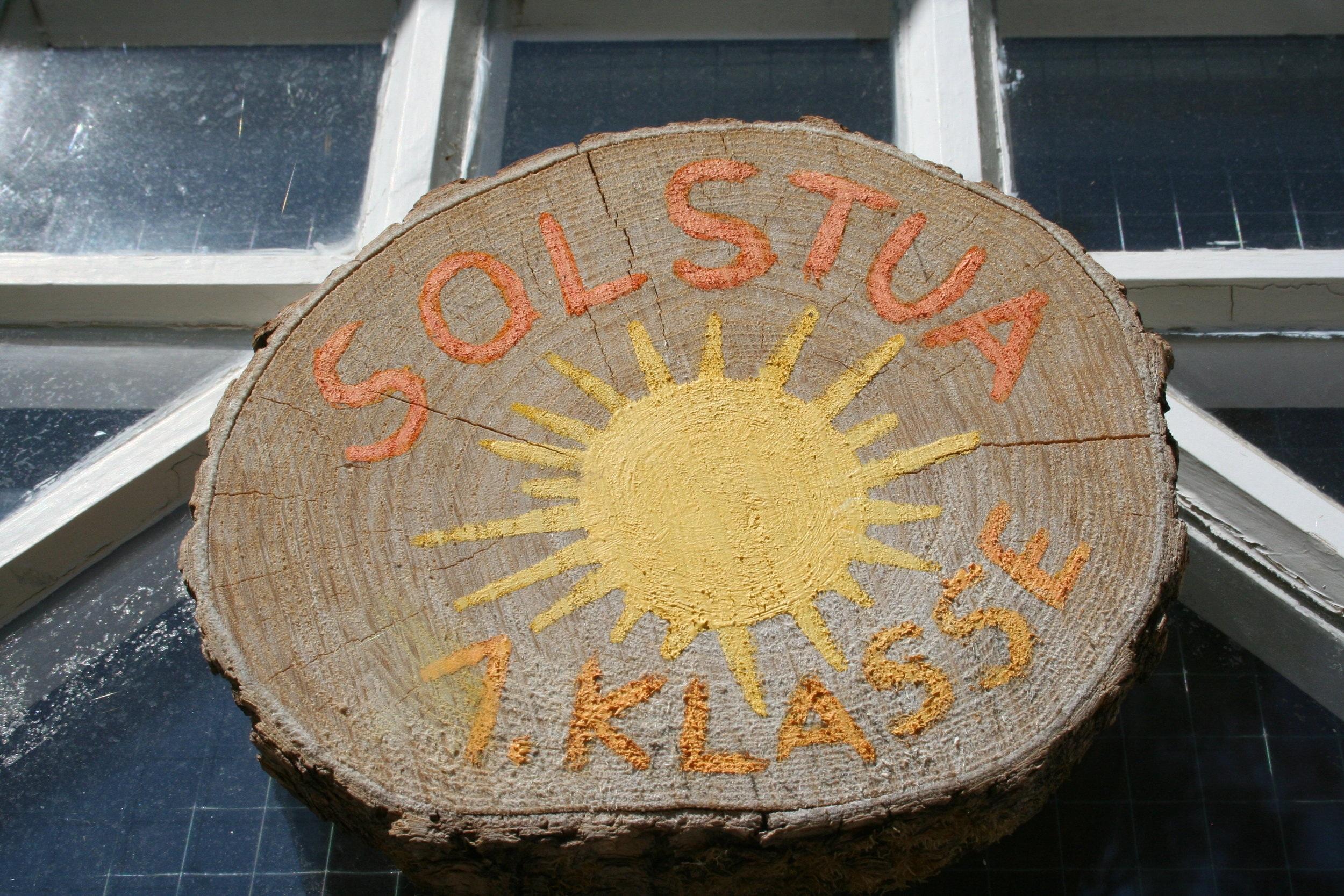 På Steinerskolen i Bærum er 1. klassingene i Solstua.