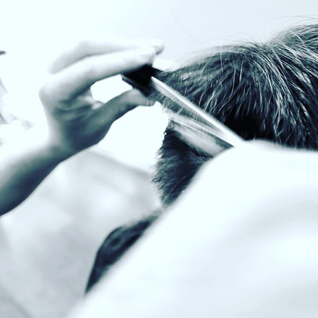 #turbulenzen#stuggi#lovethiswork#haircut#real#nobarber#haircuttingscissors#0711