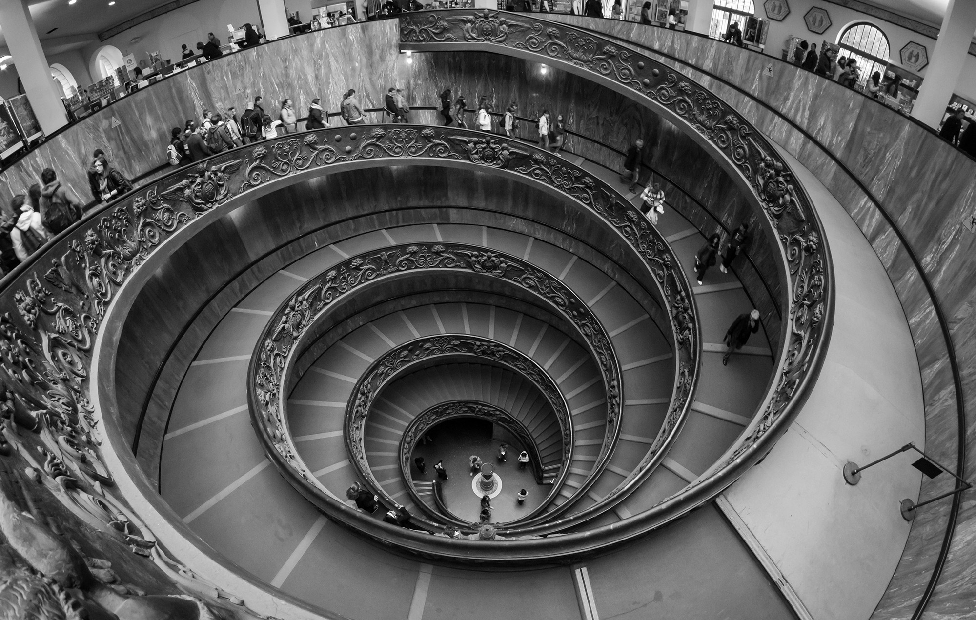 Vatican_Museums_Spiral_Staircase_2012_BW.jpg