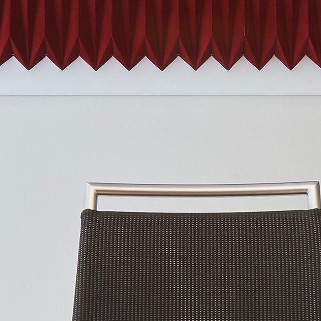 #surfacedesign #surfacesculpture #surfaces #texture #artwork #interiordesign #architecture #origamiinstallation #architecturalorigami #mural #fungandbedford #parametricdesign #paperart #papiroflexia #autumndecor #earthwindandfire #studioscenes #creativityfound #livecolorfully #makersgonnamake #interiorinspo #designlovers  #designspace #designproject #moderndesign