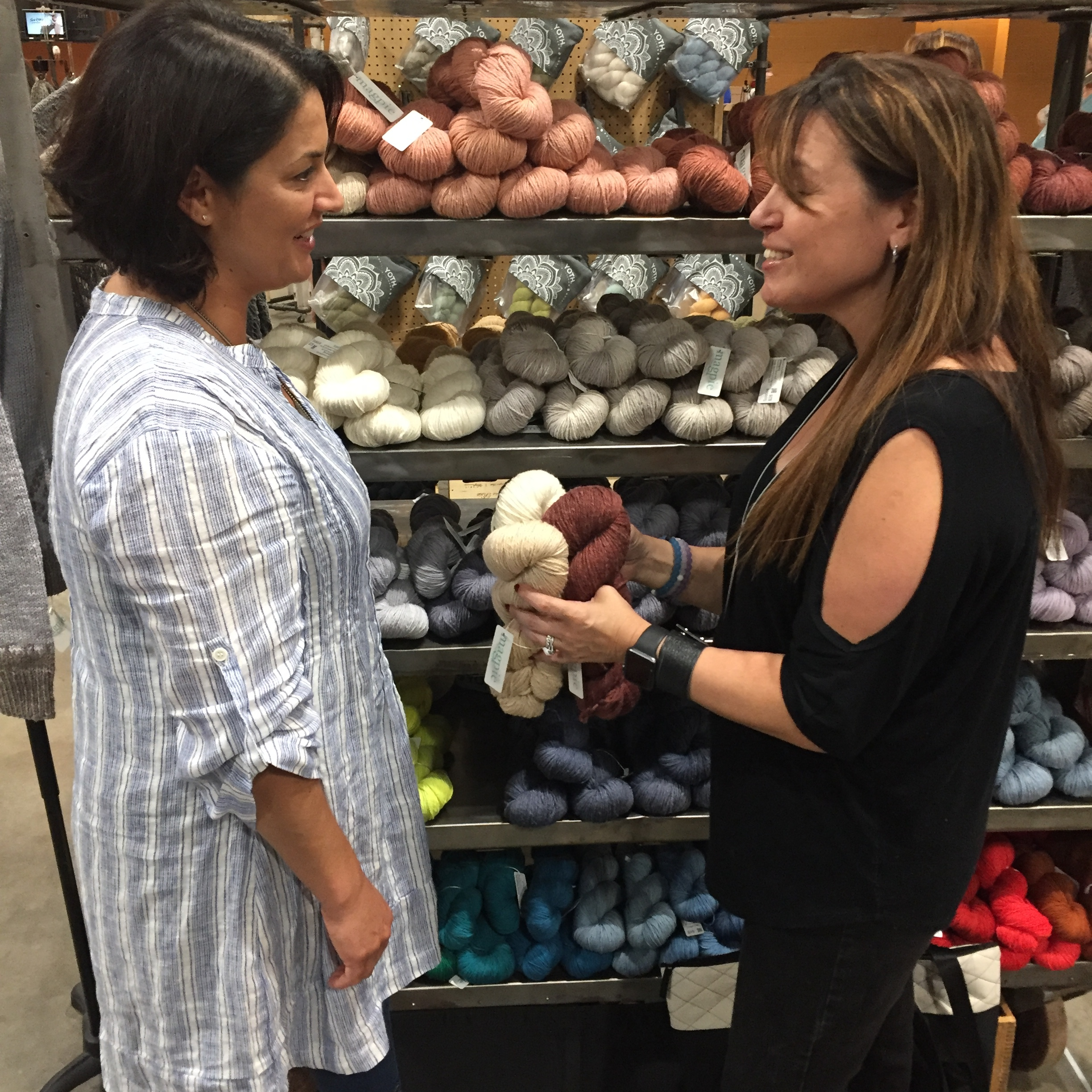 making important yarn decisions with Dami of Magpie Fibers