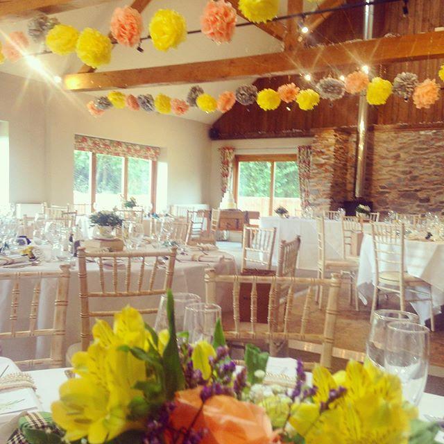 Congratulations Will & Gift! #leicestershirewedding #weddingflowers #literature #happilyeverafter