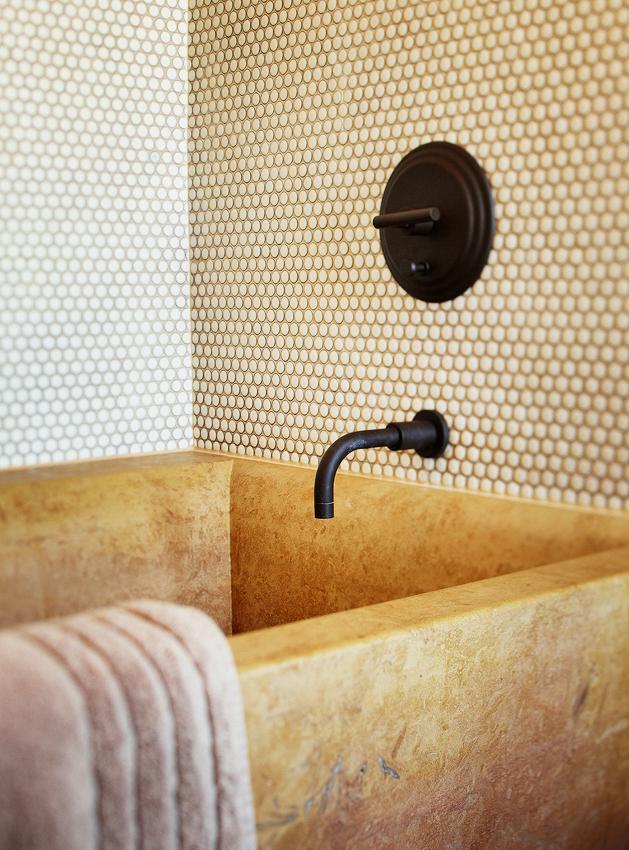 bathroomdetail.jpg