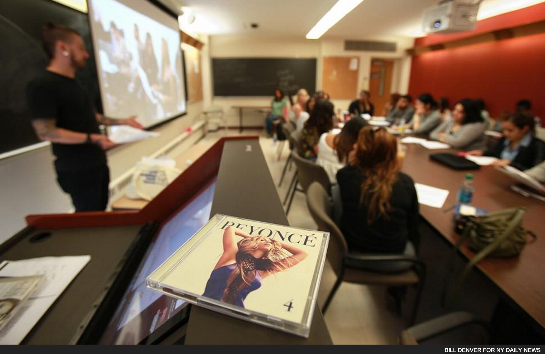 (News Feature) Beyonce Goes to Rutgers | NY Daily News