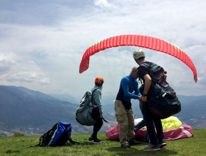 Unsettlers in Medellín prepare to take a literal leap and paraglide over the Andes