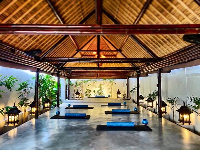 """When our Balinese Unsettlers start hiking to their 7am Pilates class, you know they are taking their 'Bali' life very seriously. 🧘🏽♀️ Participant @solabyr puts it eloquently: """"My heart is bursting, my brain is happy, my soul is free, and my body is nourished, and a little overloaded on Bintang, Nasi Goreng, and mosquito bites."""" . #BeUnsettled #UnsettledBali #EmbraceTheUnknown"""