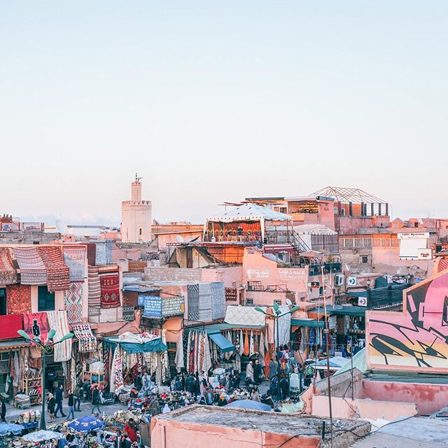 Even Google Maps can't help us get our way around the Medina of Marrakech, and we wouldn't have it any other way. Morocco, we are BACK! Today marks the start to a two-week Unsettled adventure in our favorite city in North Africa. (📷: @ingridhofstra) . #BeUnsettled #UnsettledMorocco #EmbraceTheUnknown
