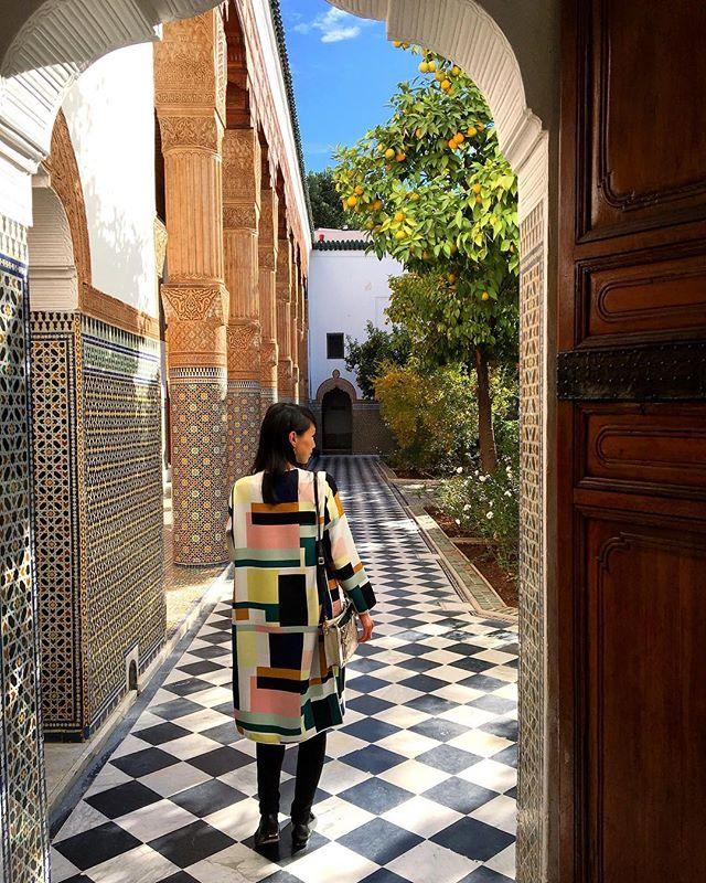 The colorful zellig tilework, the painted ceilings, the carved cedarwood and the smell of orange blossom in the air 🍊 Our #UnsettledMorocco participants have stepped back in time at the Dar El Bacha palace. This used to be the home of Pacha Thami El Glaoui, also known as the Lord of the Atlas, who ruled over Marrakesh from 1912 to 1956. (📷: @thiswildair) . #BeUnsettled #EmbraceTheUnknown #UnsettledMorocco