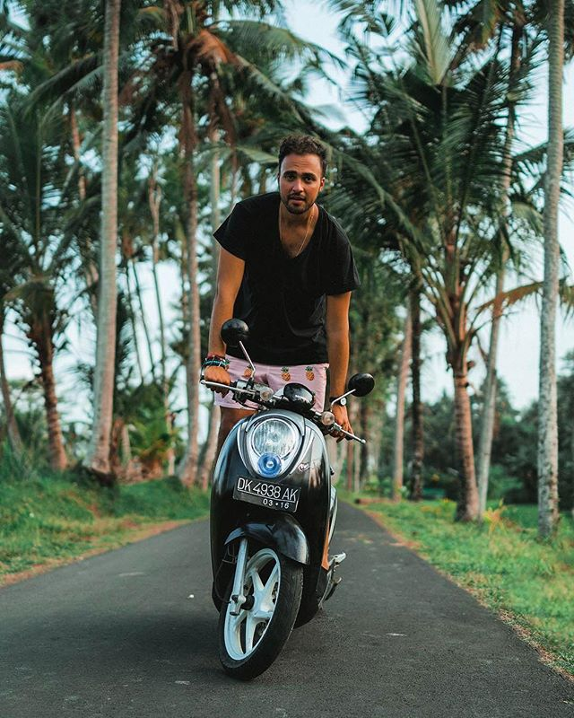 """My Zo2lot, the scooty 🏍, has been my best friend for the past month and a half while living Unsettled in Bali. We fell and crashed. We got soaked in Bali's heavy rains. We ran out of gas. We got lost. We got fined for not having a license or wearing a helmet. We drove for hours, visited waterfalls, temples beaches and sunsets. We met and carried many friends. Zo2lot is my best friend in Bali, and today I'm going to tell you about her and my other friends during an @Instagram Live."" Alumni @ahmadmohsens will be taking over our Instagram Live with our experience leader, Christy, to share about his two month long experience in Bali. Send over your questions! . #BeUnsettled #UnsettledBali #EmbraceTheUnknown #AMA"