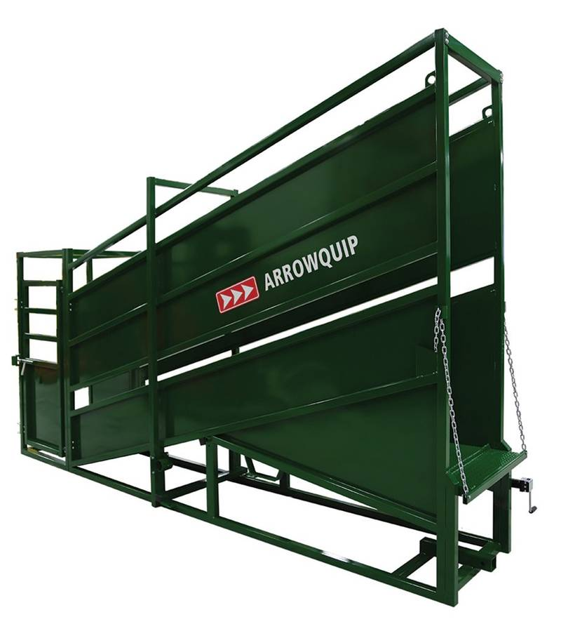 Stationary Loading Chute with Vet Cage.jpg