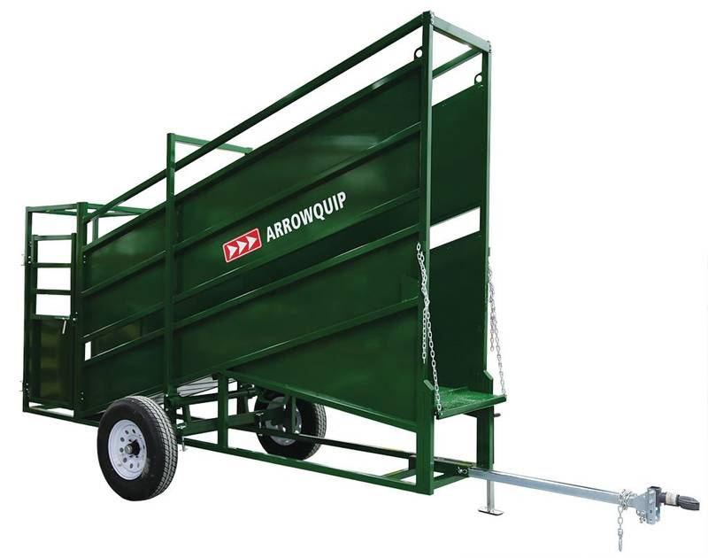 Portable loading chute with Vet Cage.jpg