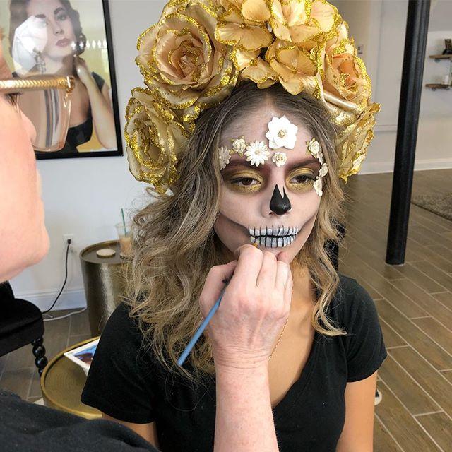 A masterpiece in the making...☠️ #halloweenmakeup #halloween #makeupartist