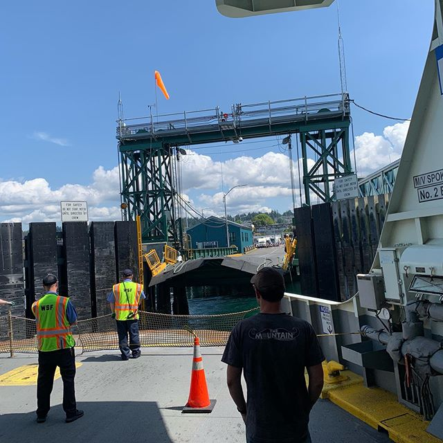 The journey continues after a crazy one last night. Floating bridges being open and ferries overloaded, we will barely make the show. But damn, it'll be good!