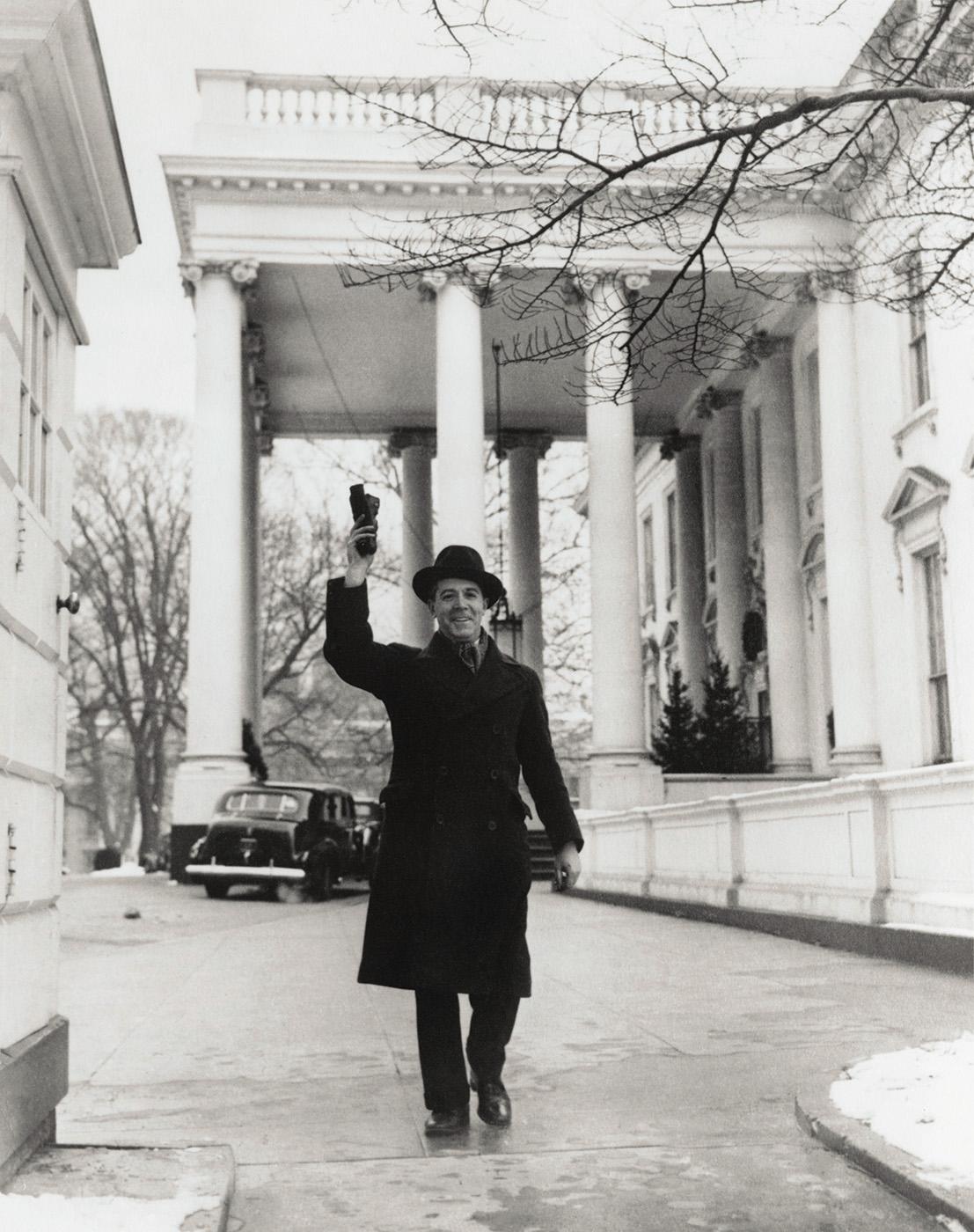 Marcel Sternberger leaving the White House, Washington, D.C., 1939