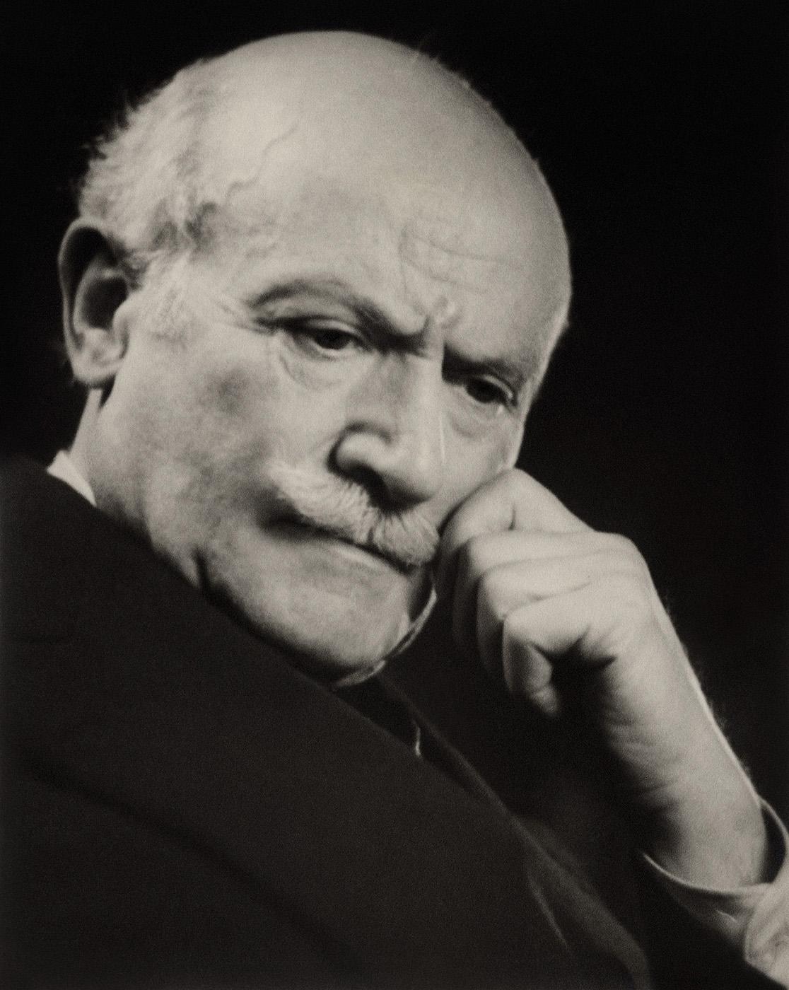 Philip De László, painter, London, 1937