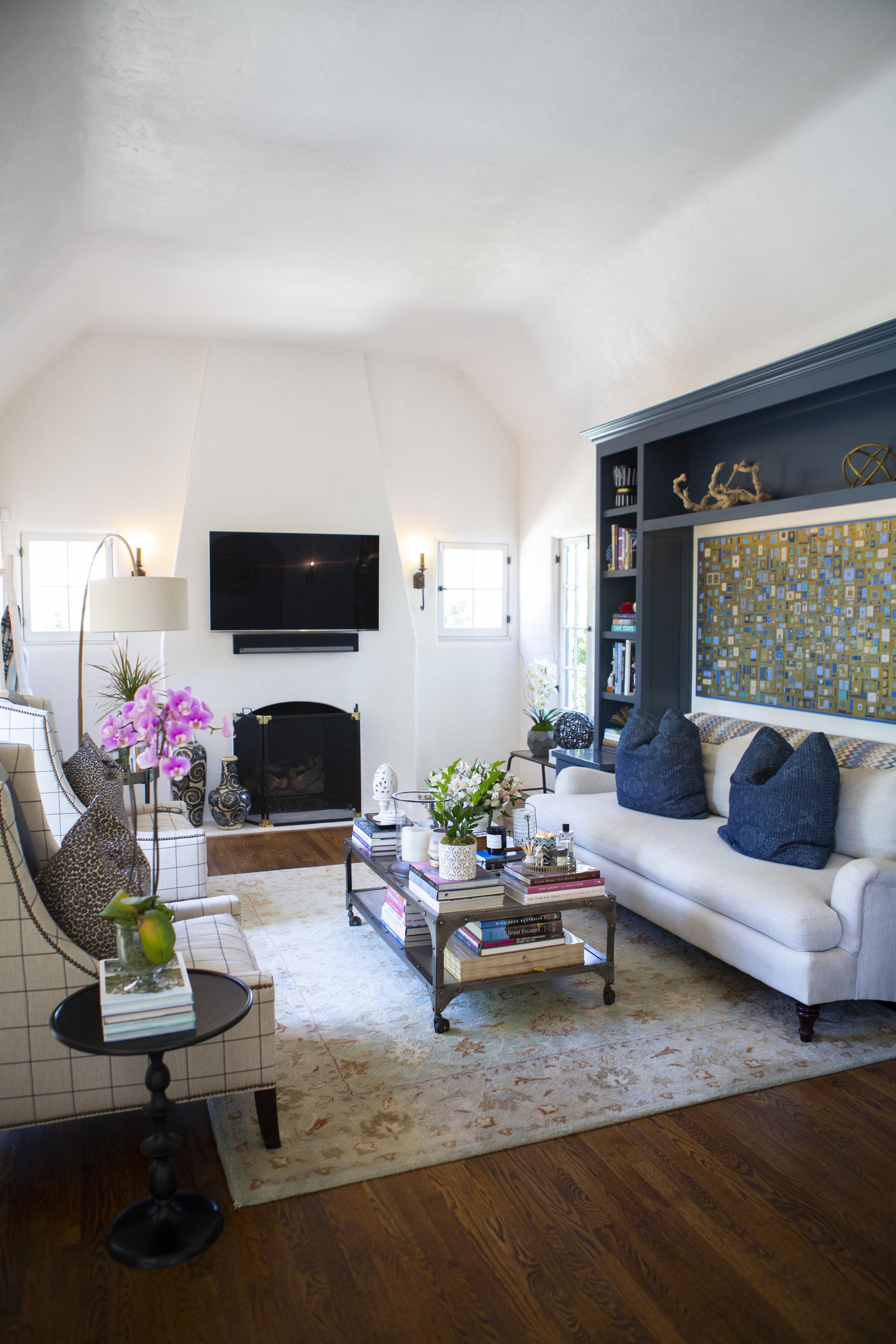 Sara's living room.