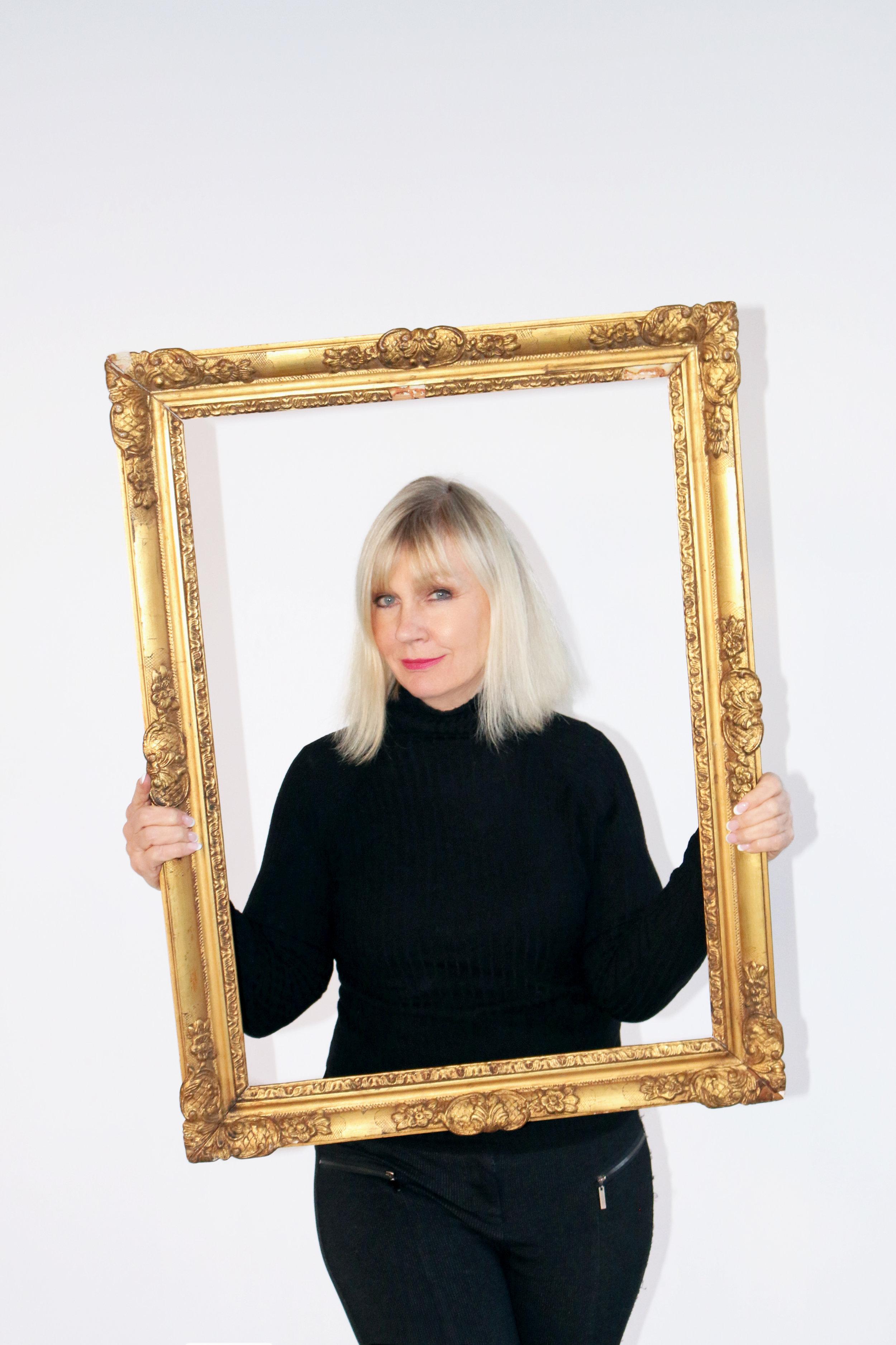 Lucille Khornak, The Portrait Specialist