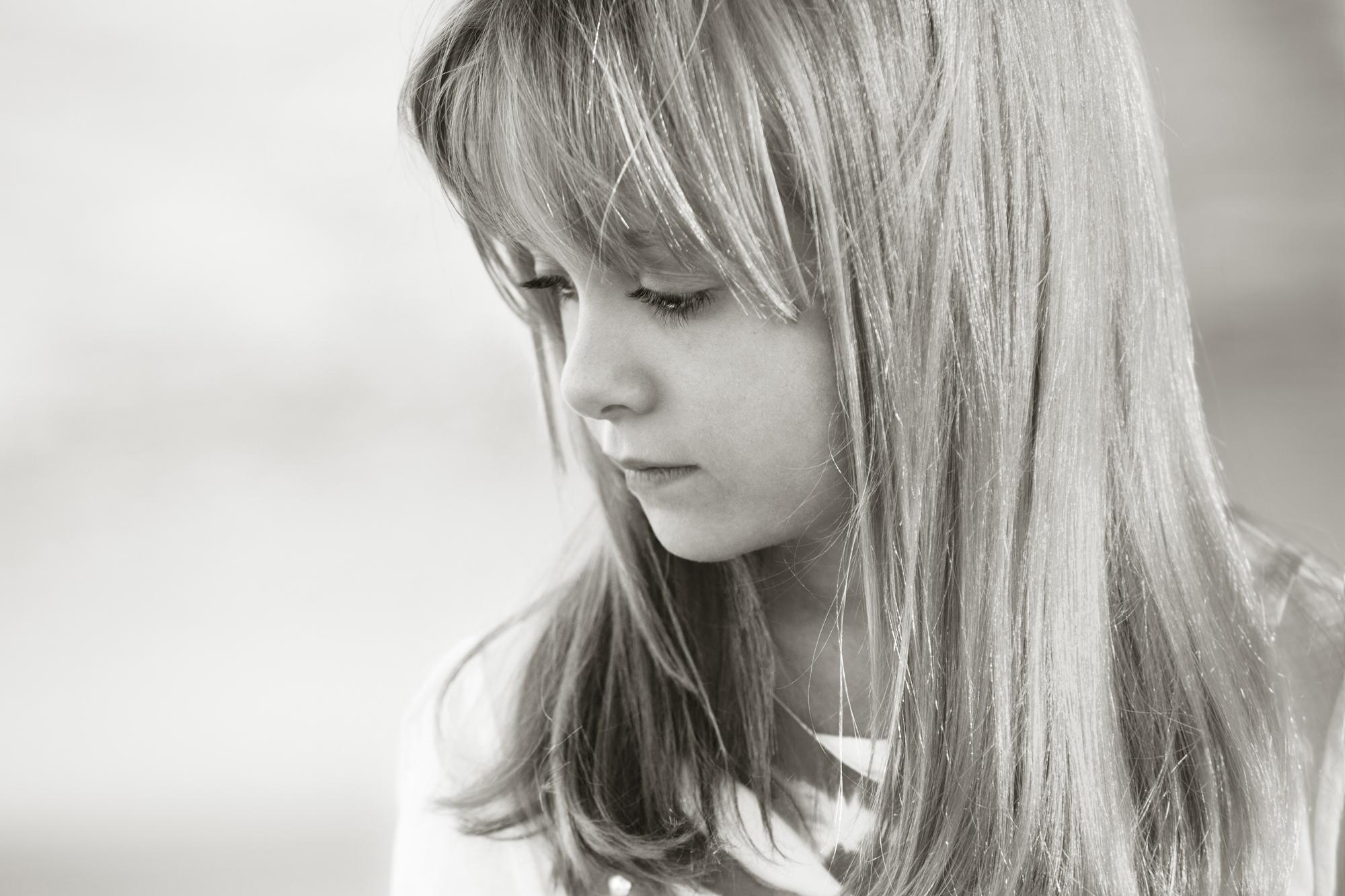 lucille-khornak-children-alone34.jpg