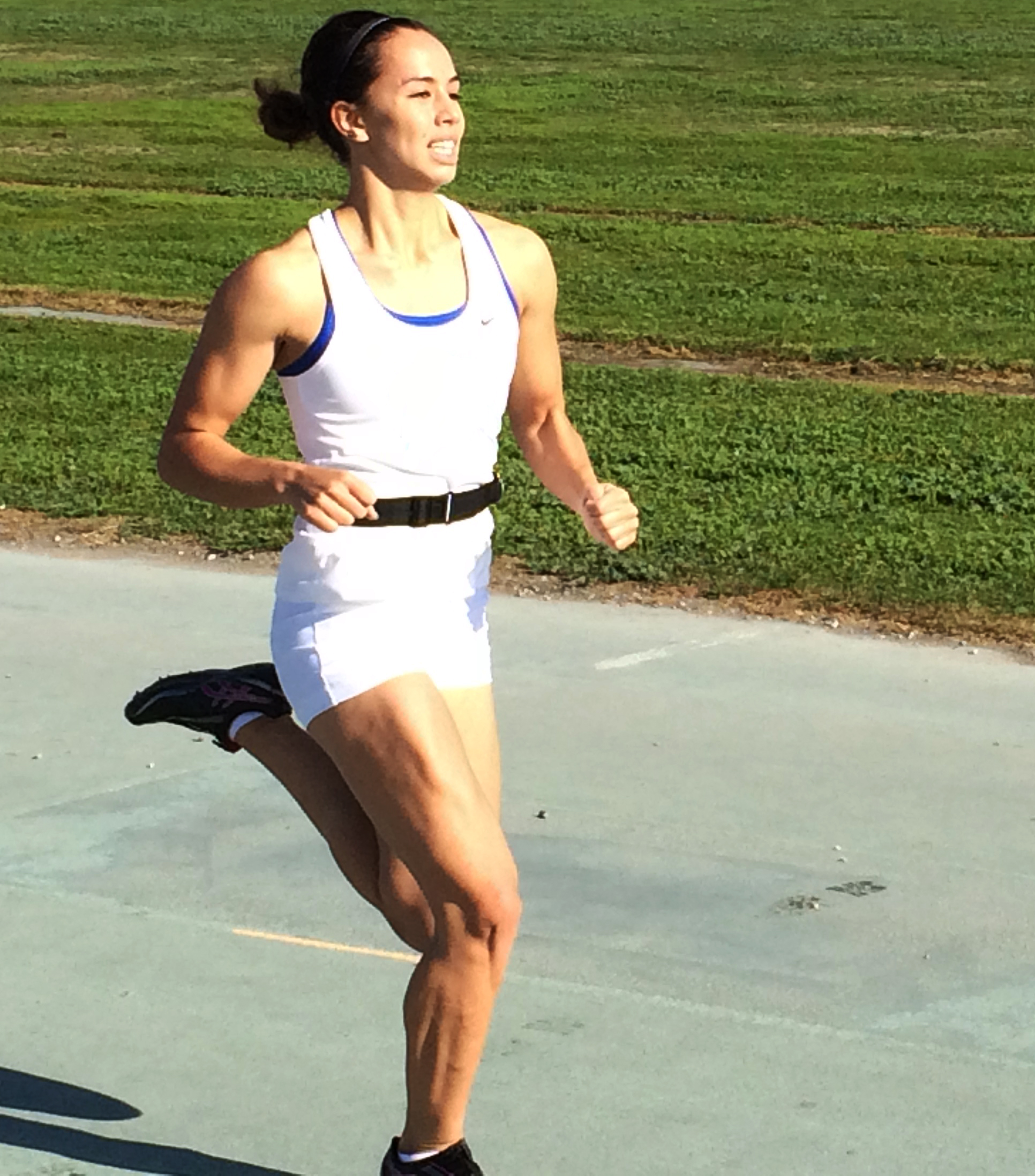 Example of athlete mushing out and collapsing during stance phase of sprinting