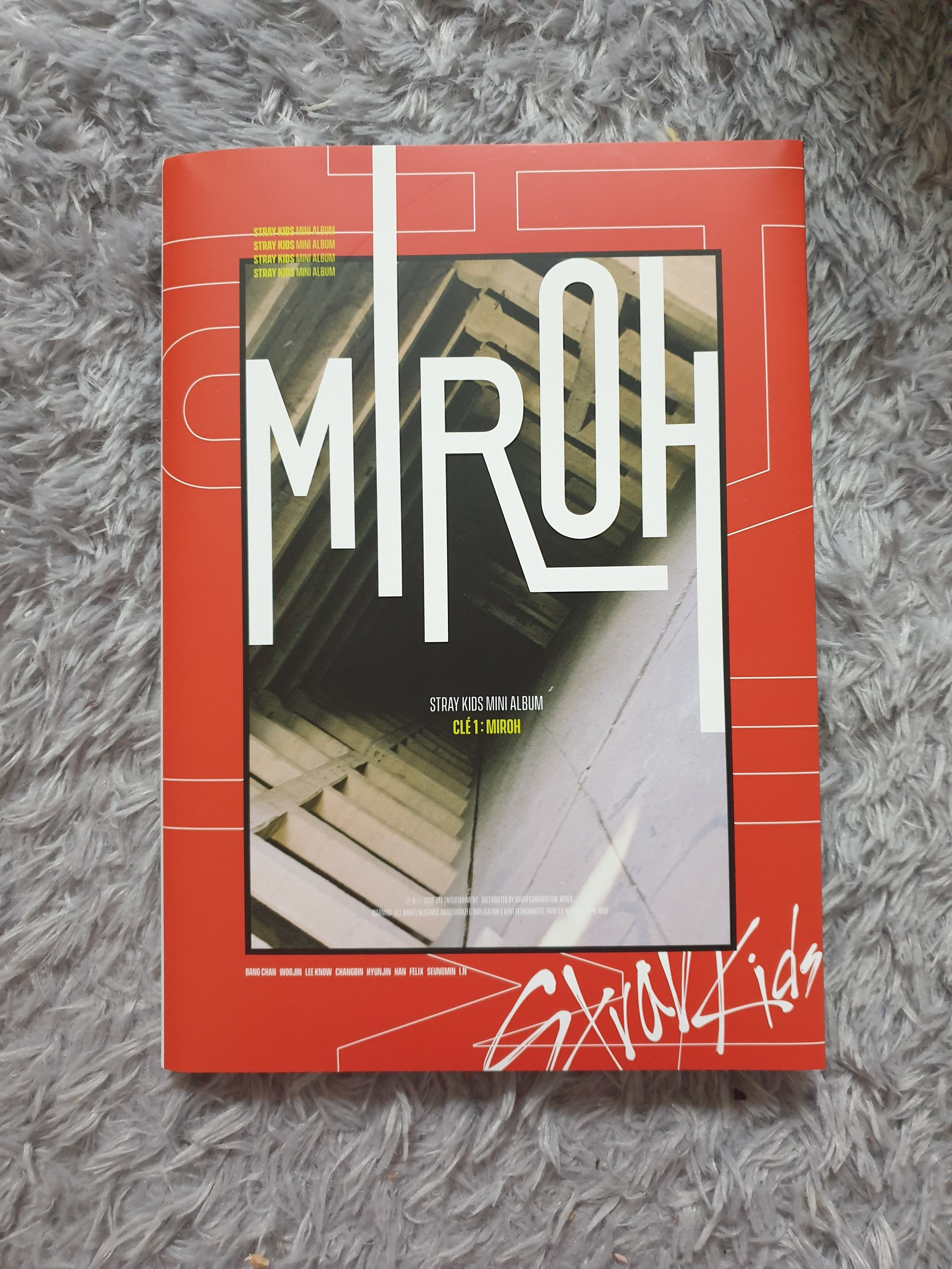 Unboxing and Review: Stray Kids Cle 1: Miroh — The Kraze