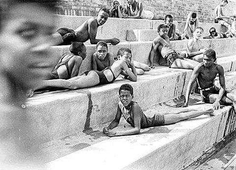#summertime #sidgrossman #swimmingpool #harlemnyc  1939 #photography #blackandwhite