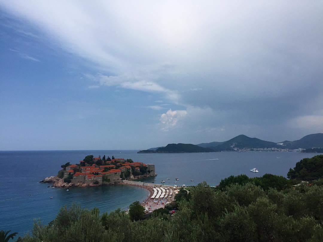 This view. 💗 #resting #singerontheroad #montenegro  (at Beach Sveti Stefan, Montenegro)
