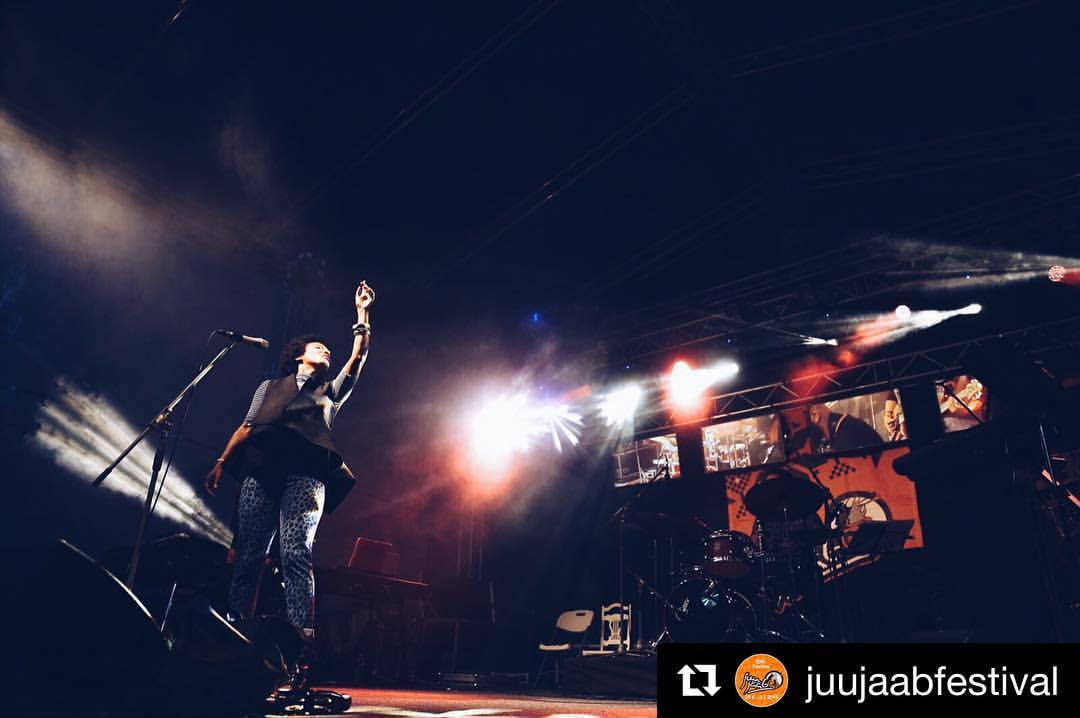 On stage 💗💥🤘🏽#Repost @juujaabfestival with @repostapp  ・・・  China Moses!!✨🔊🎤 Photo by @laura_oks  #juujääb #juujaabfestival #muhu #muhumuusikatalu #festival #festivallife (at Muhu Muusikatalu)