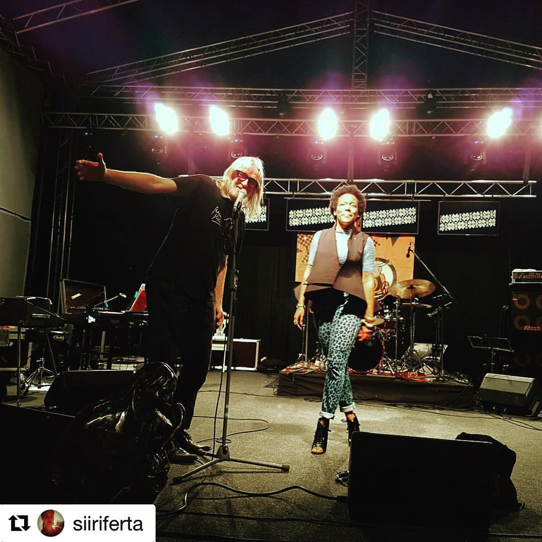 Ladies and gentleman Villu aka Willow. We played tonight in his backyard. What a passionate soul! Thank you #Muhu #Estonia #juujaab #Repost @siiriferta with @repostapp  ・・・  #juujääb2016 #musicorgasm (at Muhu Muusikatalu)