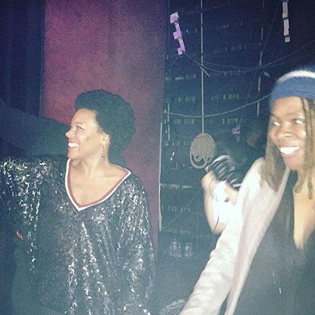 "#agedordurapfrancais Backstage avec @princess_erikamusic #princesserika 💜 en mode ""fan"" de #kreen @kreenofficiel 🔥👏🏾💃🏽  (à Casino de Paris)"