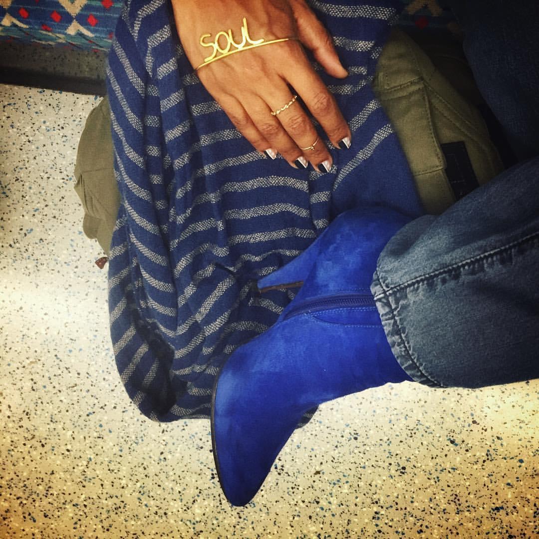 """I know you got soul…"" #bobbybyrdvoice #london #bluesuedeshoes #tube #uk  (à London King's Cross Station)"