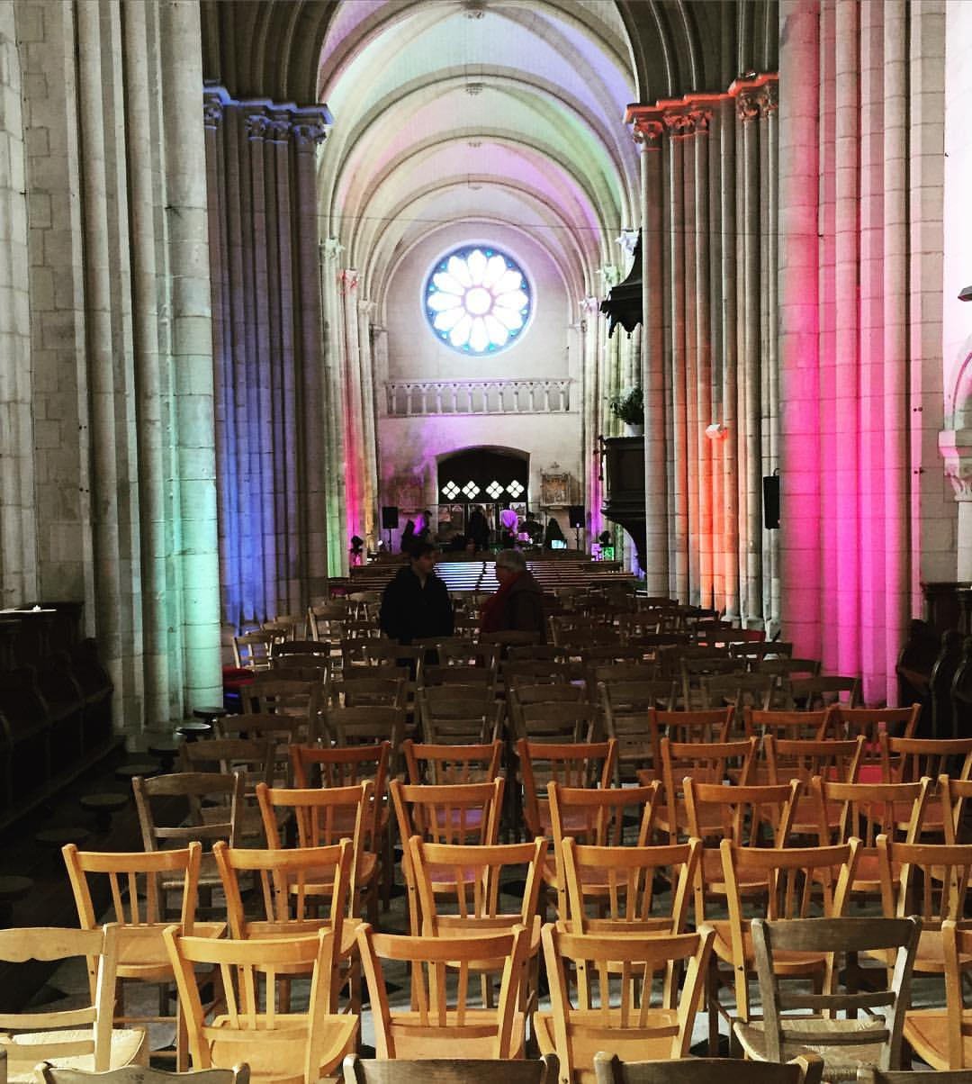 Our home for the evening. Church of colors 💗🙏🏾 #bourgdun #normandie #luigigrasso #fabienmarcoz #hugolippy #stephanechandelier