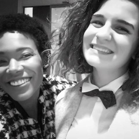This is what I love seeing after shows : sincere smiles. Thanks @igxhome for bringing us joy! #theaudience #aftershow #ourjobistosendpeoplehewithasmile 💗 #jazziseverywhere #soinlove #andremanoukian #stastier #singerontheroad #jazzlovers  (à Centre Culturel ,Cinéma ,La Fabrique Saint Astier)