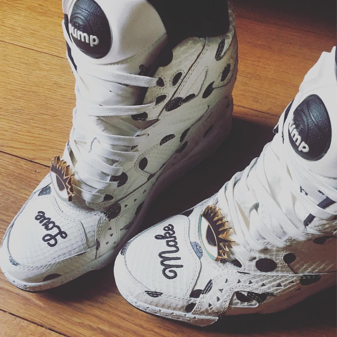 Make love. @melodyehsani X @reebok #sneakers