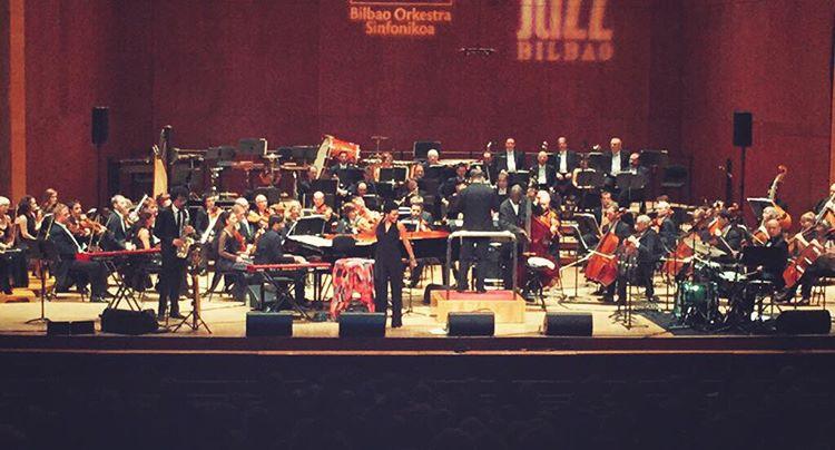 Just me and my crew. #bilbaoorkestrasinfonikoa #spain #bilbao #singerontheroad 📷 JC Tororikaguena (à Euskalduna Jauregia / Palacio Euskalduna)