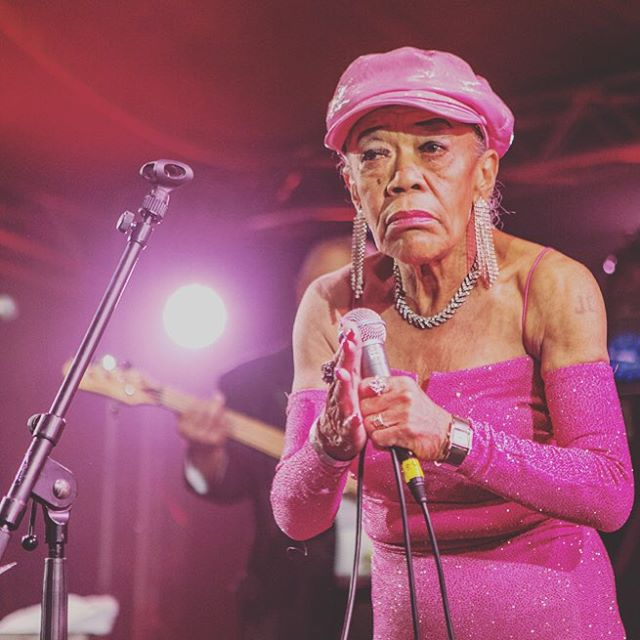 Sugar Pie DeSanto 💃🏽💃🏽💃🏽🙌🏾🙌🏾🙌🏾🙌🏾🔥🔥🔥🔥🔥🔥🌟🌟🌟🌟🌟🌟 #icon #wcw #sugarpiedesanto if you don't know then you should know!! Her fire keeps me going. When I go on stage I bow to her energy her passion her fire. #iwannabelikeherwhenigrowup