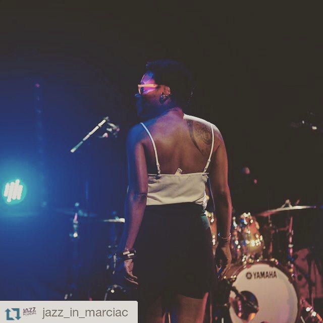 #soundcheck #fluoglasses #Repost @jazz_in_marciac  ・・・  La balance de @chinamoses, quelques heures avant le début de son concert… - photo #JIM2015 © Thomas Liardet