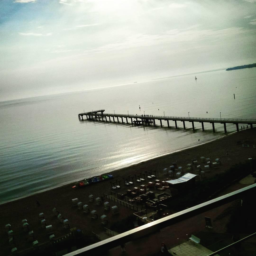 Good morning. #hotellife #beach #timmendorferstrand #maritim #singerontheroad #whenthisisyourbreakfastviewyoureallycantcomplainaboutanything
