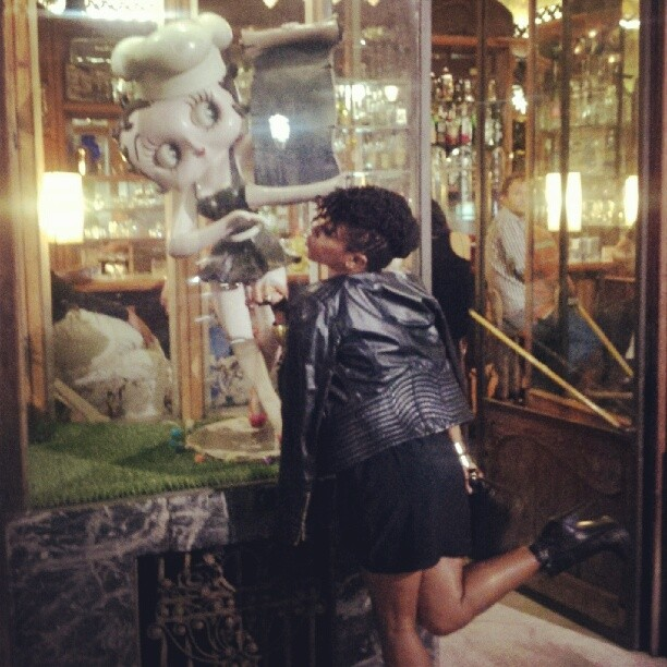 #bettyboop and @gigiorigo = a love story #hotstuff video shoot in #barcelona #crazyblues #singerontheroad