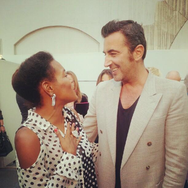 A quick chat with #maisonleonard designer #RaffaeleBorriello after his #fashionshow #pfw #singerontheroad #leonard
