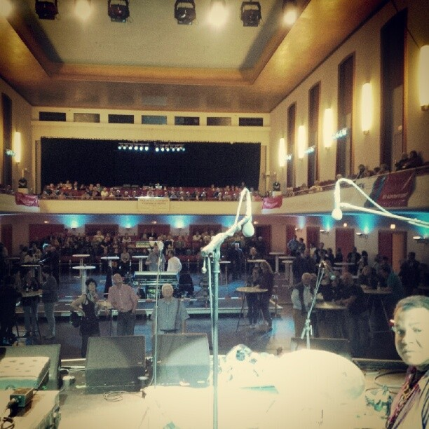 Soundcheck in front of the crowd of the 27th #viersenjazzfestival Jean-pierre Derouard looks worried :) #crazyblues #frommypointofview #concert #viersen #germany #jazziseverywhere