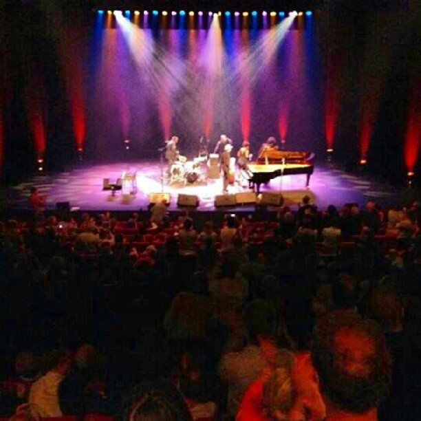 This is what a full house looks like! #rueilenjazz #singerontheroad #crazyblues