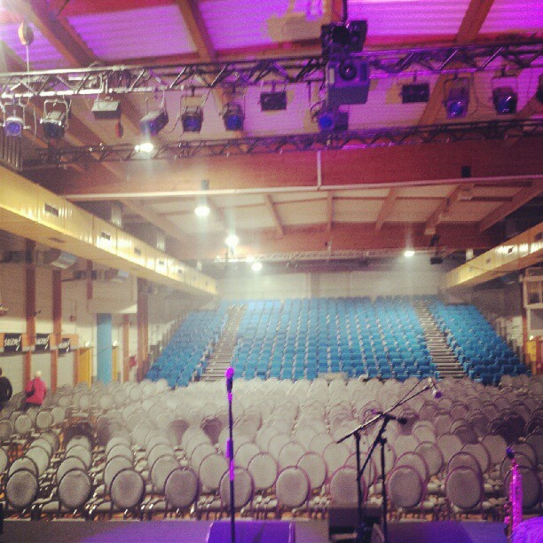 My home for tonight. #jazzentouraine avec #andremanoukian #singerontheroad #concert Now what you know about that!